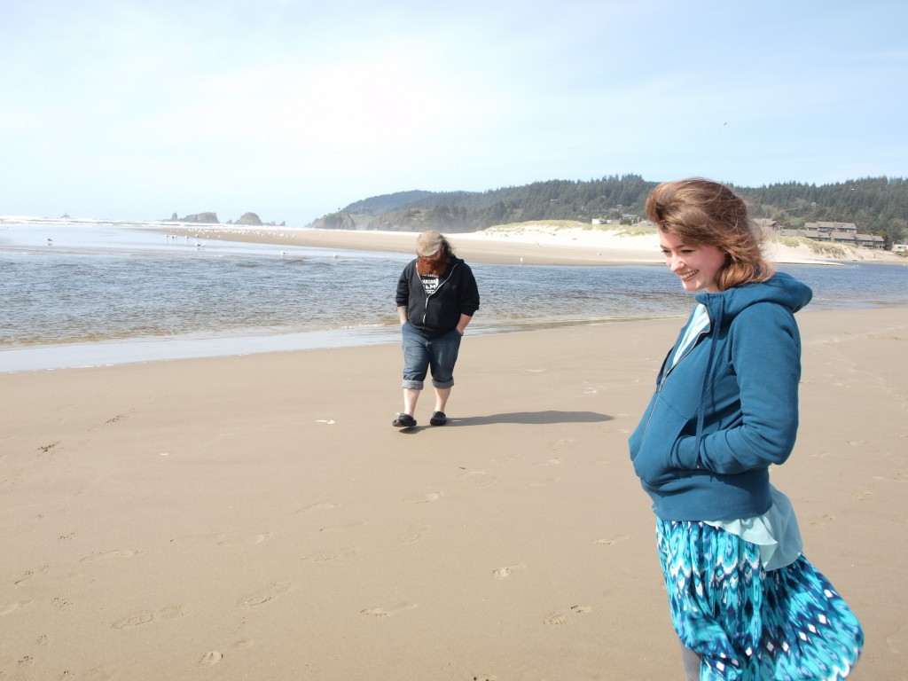 husband and wife, love on the beach, beach, ocean, oregon beach